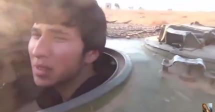 這名少年即將成為「自殺炸彈」的犧牲品,即將面對死亡的恐懼崩潰全被錄下來了。