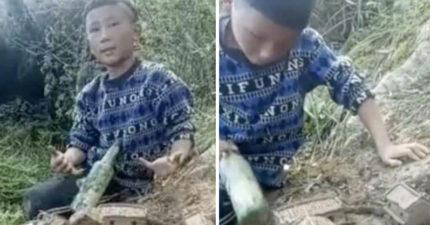 8歲男孩超愛玩泥巴,父母靠近一看驚見造出「一整座城」!網:快出來看上帝