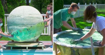 影/900KG「世界最大浴球」下水 泳池秒變泡泡泥漿超療癒