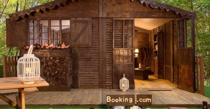乍看以為小木屋!期間限定「巨型巧克力屋」住一晚50歐 家具擺設全都可以吃