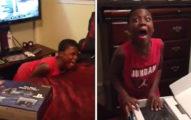 影/激動弟收PS4生日禮物「超浮誇反應」太可愛 幾秒後瞬間冷靜...網:剛是起乩?