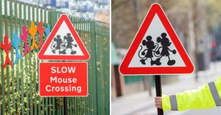 設計師X迪士尼打造「經典卡通路標」 米奇在路邊照顧小朋友!