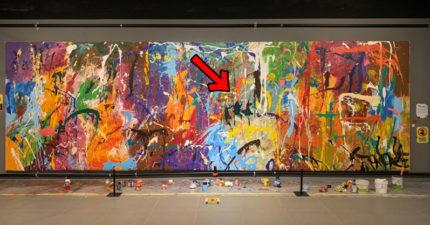 地上擺畫筆!路人經過「即興一畫」毀千萬名畫 遭逮喊冤:以為互動藝術