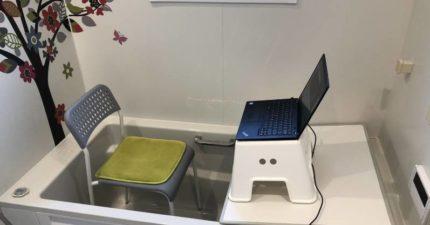居家「線上考試」太吵 他突發奇想「坐浴缸」架筆電連考3小時